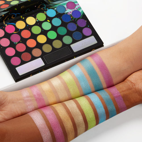 bh cosmetics take me back to brazil rio edition 35 color eyeshadow palette at beauty bay. Black Bedroom Furniture Sets. Home Design Ideas
