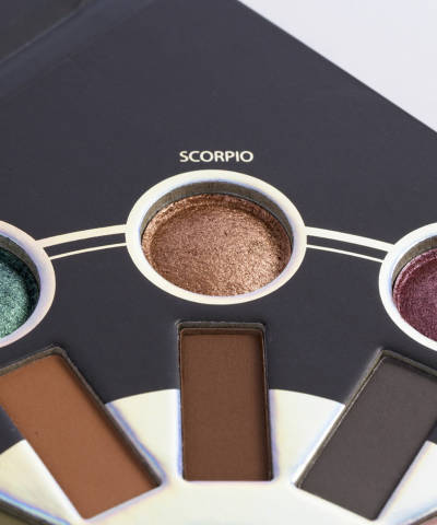 e629bc3cba478 Zodiac 25 Color Eyeshadow And Highlighter Palette