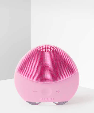 Luna Mini 2 Facial Cleansing Brush by Foreo