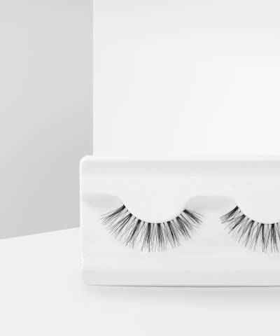 Wispy Lashes Floss by Makeup Revolution